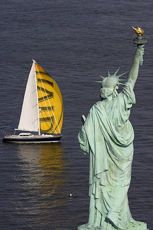 G224 - VIVID Sailing by the Statue of Liberty