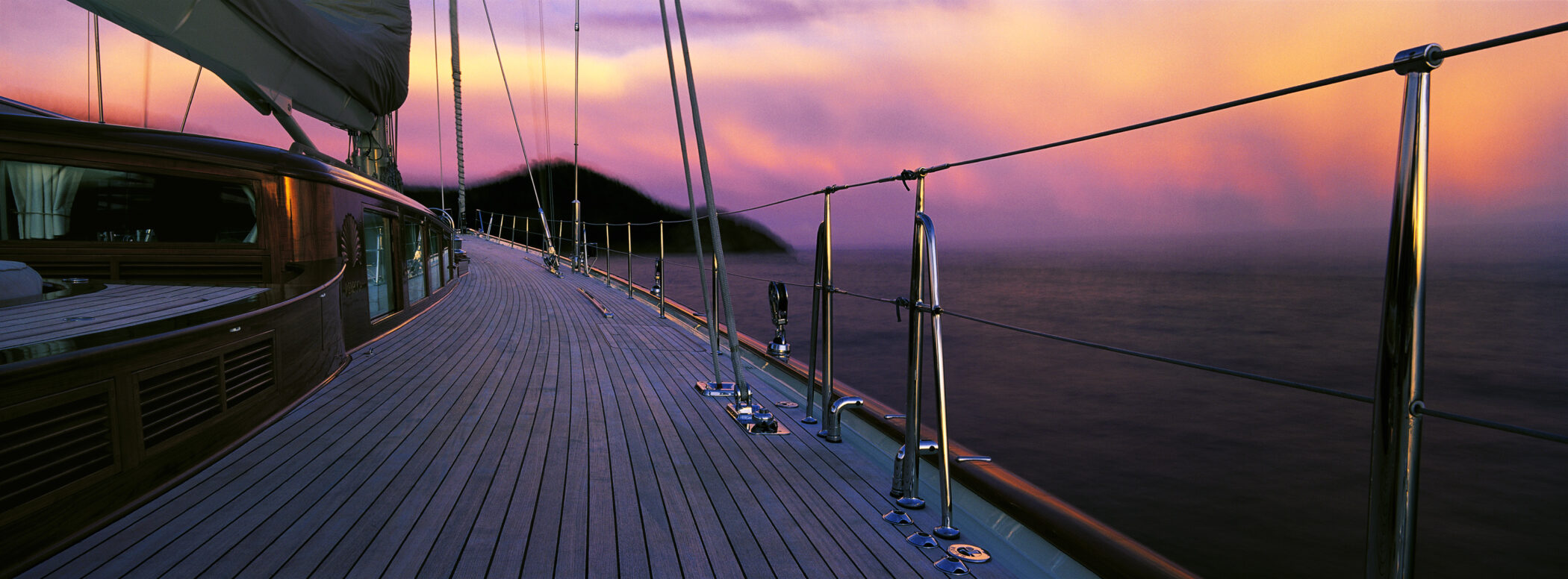 G42 - Starboard Deck in Antigua